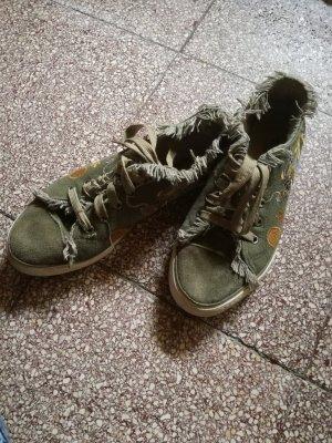 bequeme Sneakers mit Fransen