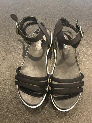 Sandale d'extérieur noir-blanc matériel synthétique