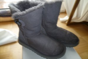 UGG Snow Boots taupe leather