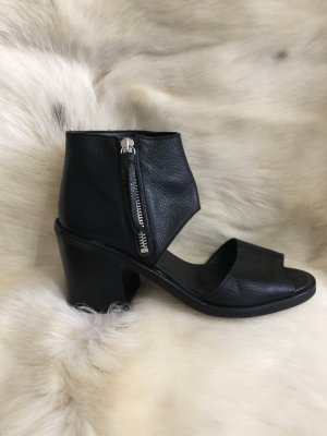 Bequeme und elegante Sandalen