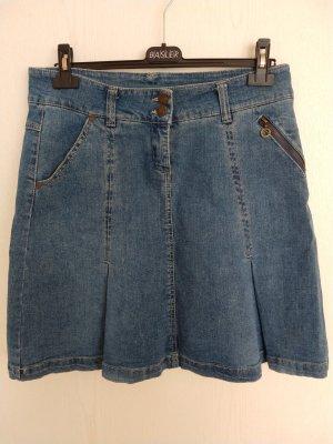 Bequemer Jeansrock mit Taschen