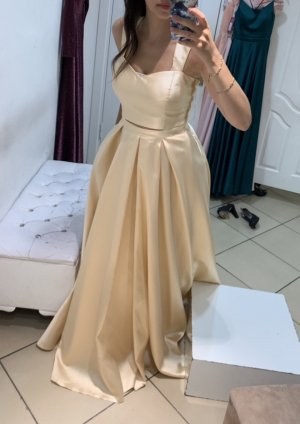 Bequemes Abendkleid