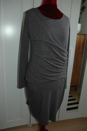 bequemes Kleid mit einem silbernen Faden NEU GR 46