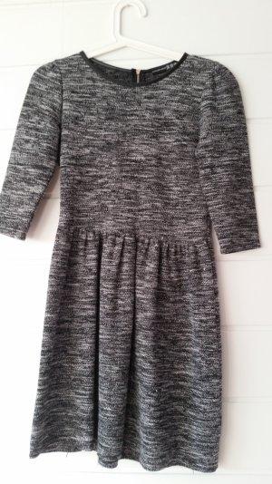bequemes, schönes Kleid
