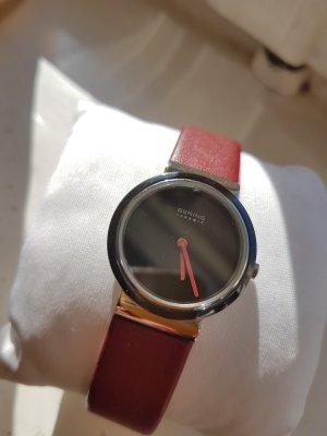 Bering Horloge met lederen riempje karmijn