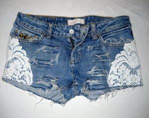 Bershka by Zara Hotpants Shorts Hose kurz Hotpants blau Spitze weiß 36 38 S H M