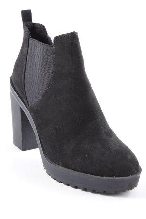 Bershka Chelsea Boots schwarz Casual-Look