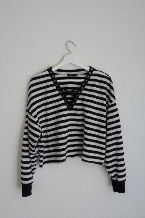 Bershka Crop Pullover S M L 36 38 40 schwarz weiß gestreift Blogger Fashion Style cool Skater
