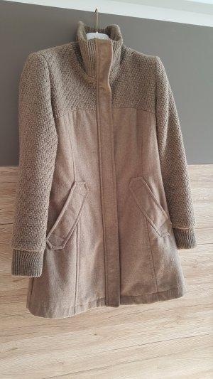Bershka Gabardina tipo vestido marrón grisáceo