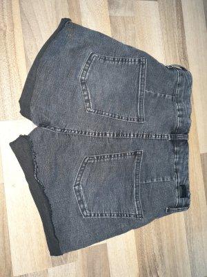 Bershka Pantalón corto de talle alto gris oscuro