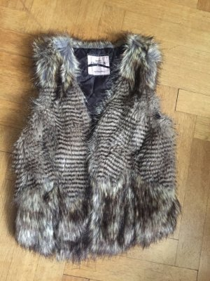 Bershka fake fur Weste