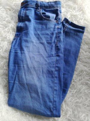 Bershka High Waist Jeans Gr.42