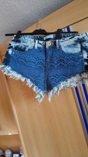 Bershka Jeansshort mit Muster Größe 36 38