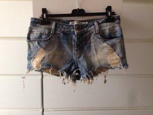 Bershka jeansshorts destroyed wie neu