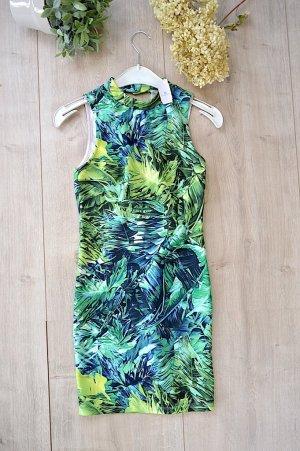 Bershka Kleid mit Safari Muster grün Größe XS