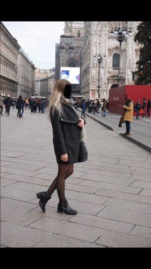 Bershka Mantel XS grau schwarz