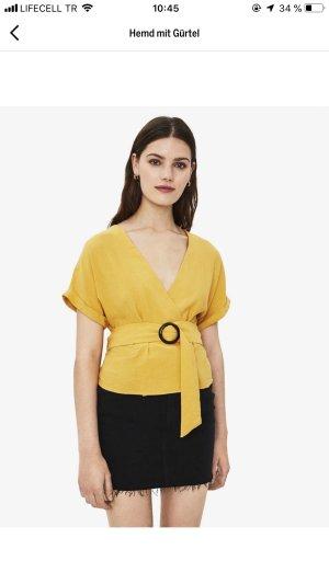 Bershka Oberteil Top Shirt mit Binde Gürtel V- Ausschnitt Senf Gelb