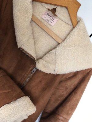 Bershka Abrigo de cuero coñac Imitación de cuero