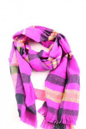 Bershka Pashmina check pattern casual look