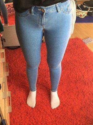 Bershka Push up Jeans
