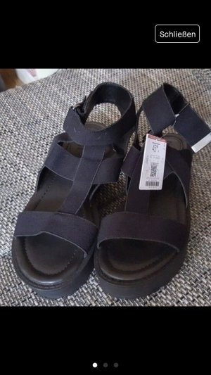 Bershka Platform Sandals black