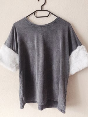 Bershka Shirt mit Fellärmeln