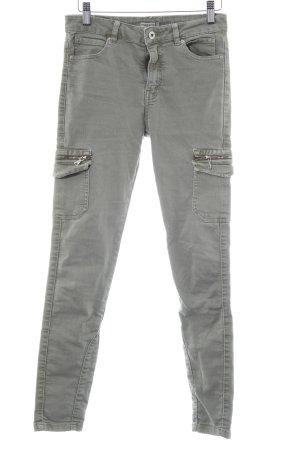 Bershka Slim Jeans graugrün Metallelemente