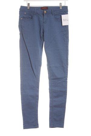 Bershka Slim Jeans kornblumenblau schlichter Stil