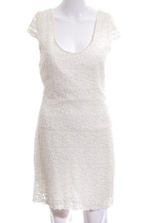 Bershka Spitzenkleid weiß Elegant