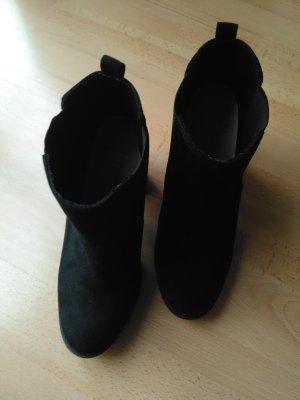 Bershka Botines negro