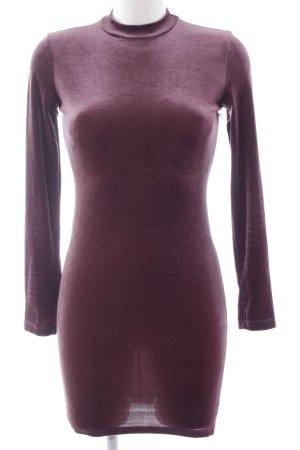 Bershka Stretch jurk bruin-paars fluwelen uiterlijk