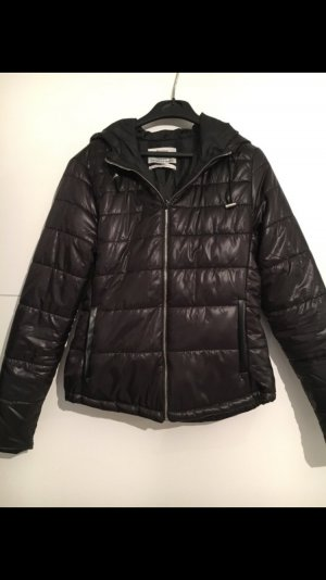 Bershka übergangsjacke schwarz