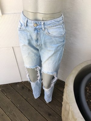 Bershka Vintage Mom Fit Jeans Boyfriend Knie offen zerrissen ripped destroyed used zara