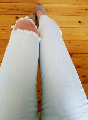 Bershka Zara Röhrenjeans XXS XS 32 34 weiß hellblau Röhre Jeans Hose used Löcher