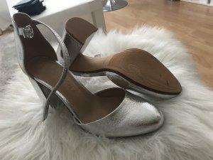 Berska Schuhe Silber NEU