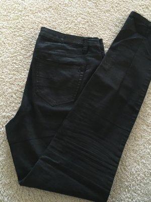 Beschichtete schwarze Hose