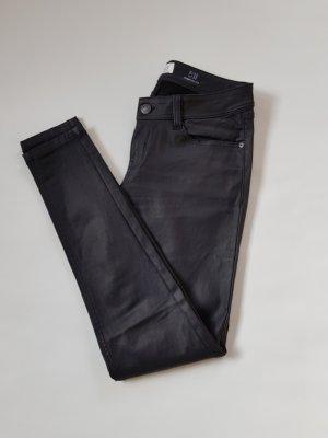 s.Oliver Pantalón de cinco bolsillos negro