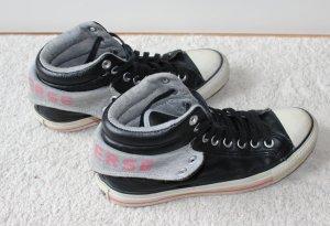 Besondere Converse Sneaker