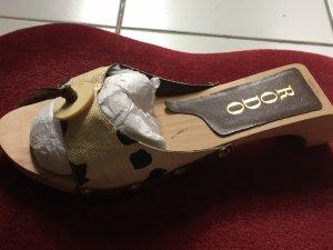 Sandalo con tacco crema-color cammello