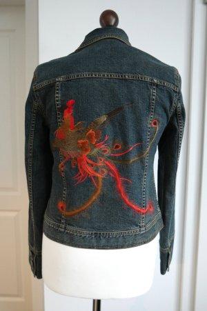 Besondere Jeansjacke von DKNY mit Stickerei