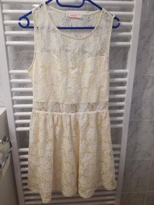 besonderes Kleid