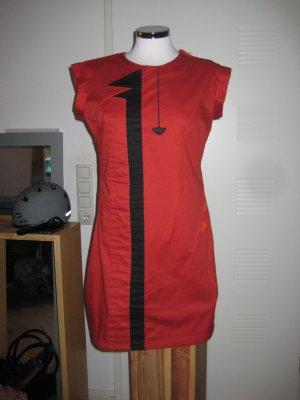 Besonderes Kleid von skunkfunk