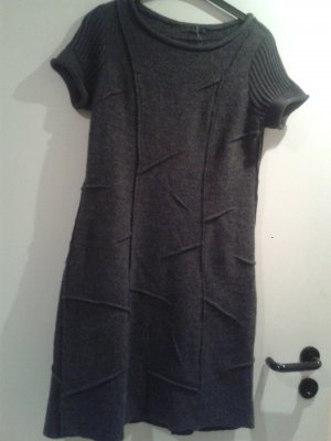besonderes warmes Kleid mit echter Merinowolle / in S / v. Backstage NP 169,90 E
