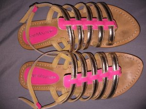 Best mountain Sandalias romanas color oro-rosa neón