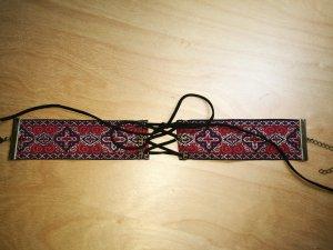 Bestickte Choker-Halskette