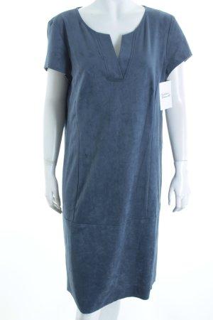 Betty Barclay Kleid dunkelblau Street-Fashion-Look
