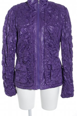Betty Barclay Übergangsjacke lila florales Muster extravaganter Stil