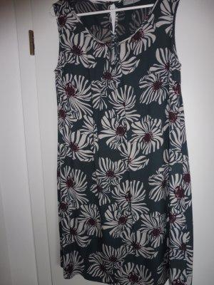 BETTY & CO. Sommerkleid feminines Hängerchen romantischer Blumen-Druck