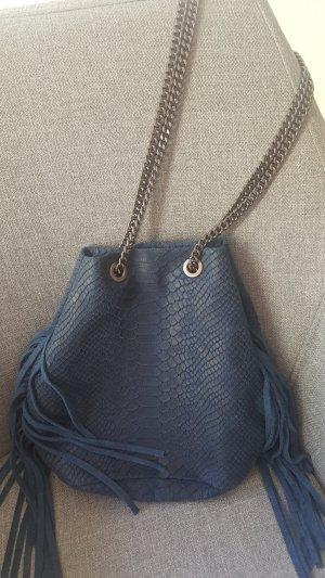 Beuteltasche Boho Bag mit Fransen in Blau mit Kette, lang oder kurz zu tragen
