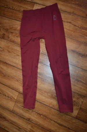 pantalonera carmín-rojo oscuro